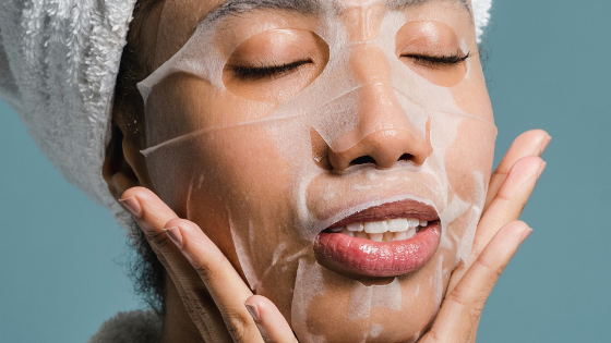 DERMATOLOGISTS CAN'T BELIEVE THIS SHE USED HER GRANDMAS FORMULA TO ERASE HER WRINKLES IN 3 DAYS